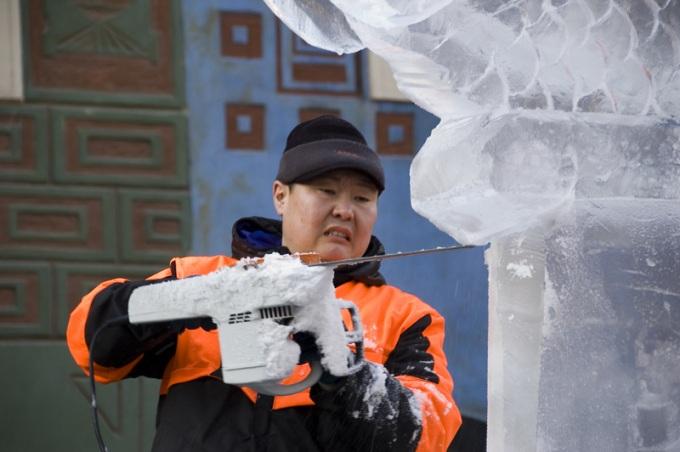 Rzeźbiarz lodowy
