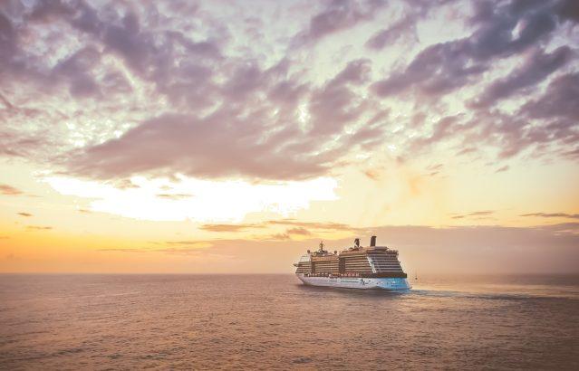 statek rejs morze