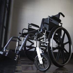 wózek inwalidzki dla seniora