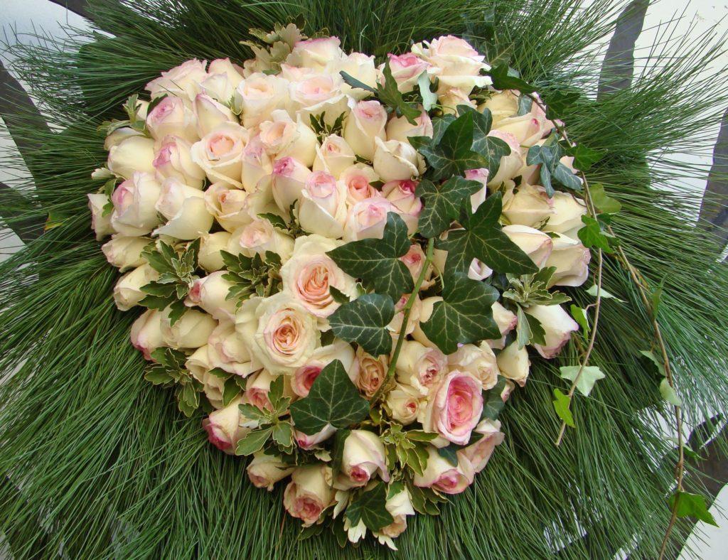 Wieńce Pogrzebowe Jakie Kwiaty Wybrać Na Wieniec Pogrzebowy