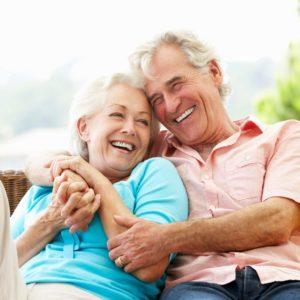 co śmieszy seniorów, zdrowy uśmiech