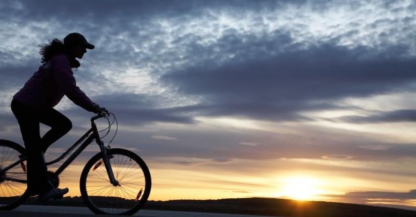 jazda rowerem to sport, któy można uprawiać przy nietrzymaniu moczu